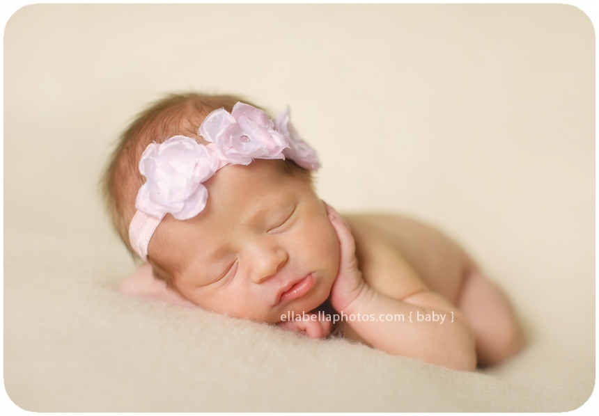 Newborn Girl Photography Poses